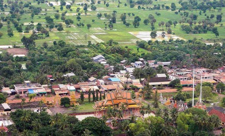 phnom sampeau from hill top